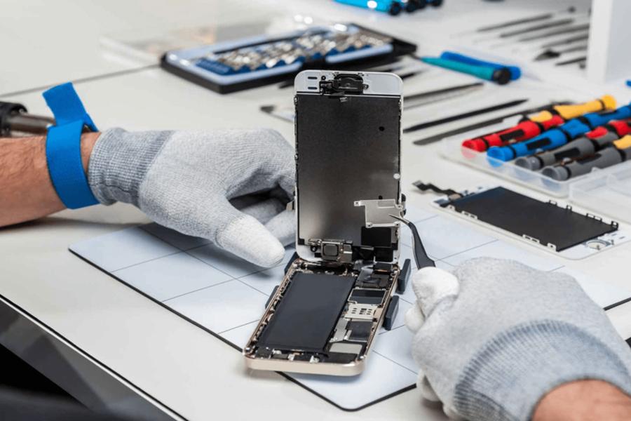 wymiana baterii w telefonie smartfonie
